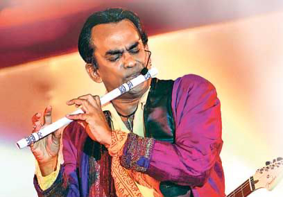 More info about Remo Fernandes on Wikipedia..