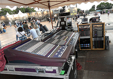 Umbria Jazz 11 - FOH facilities for PRINCE concert - click per zoom...